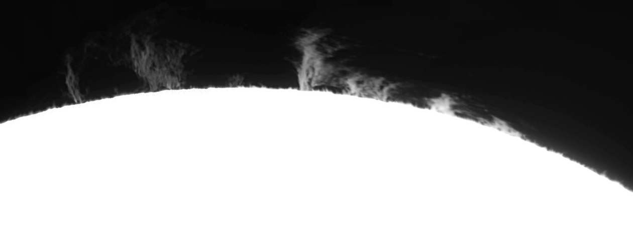 Large Prominence on 24 May 2011